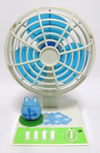 フロッグスタイル ミニ扇風機.JPG